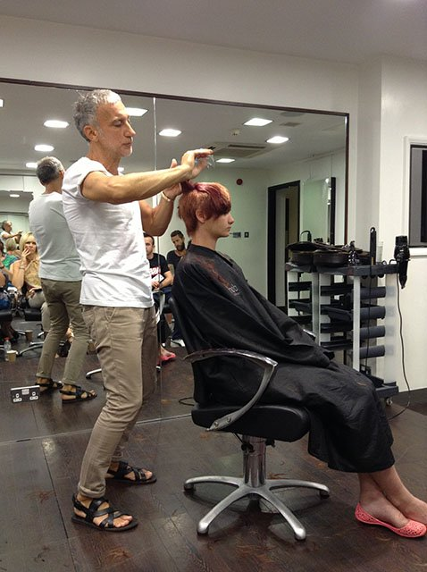 Akin Konizi Hob salons hairdresser cutting hair techniques